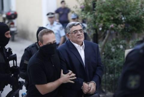«Ένοχος εσχάτης προδοσίας»: Άρθρο Μιχαλολιάκου μέσα από τη φυλακή