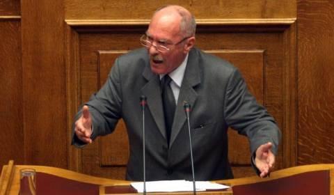 Ένταση στη Βουλή με βουλευτή της Χρυσής Αυγής