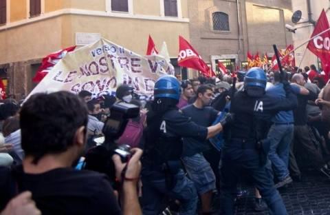 Εβδομήντα χιλιάδες οι συμμετέχοντες στην πορεία των ιταλικών κινημάτων