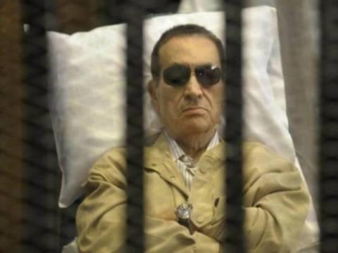 Επαναλαμβάνεται κεκλεισμένων των θυρών η δίκη του Μουμπάρακ