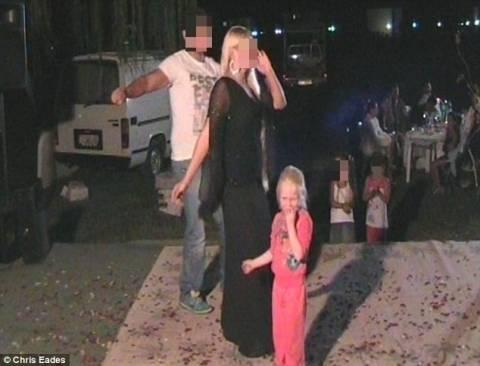 Βίντεο-ντοκουμέντο: Η μικρή Μαρία σε γλέντι στον καταυλισμό
