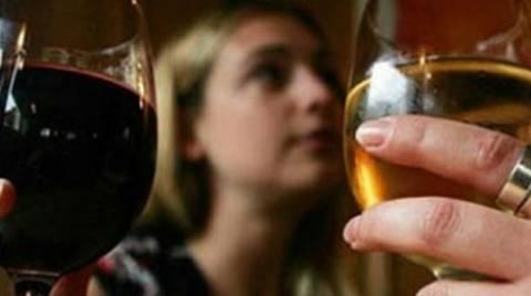 Στην Κρήτη μαθαίνουν το αλκοόλ από τα 13!