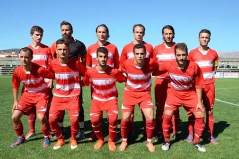 Ελληνας ποδοσφαιριστής έκανε... στριπτίζ (photo)