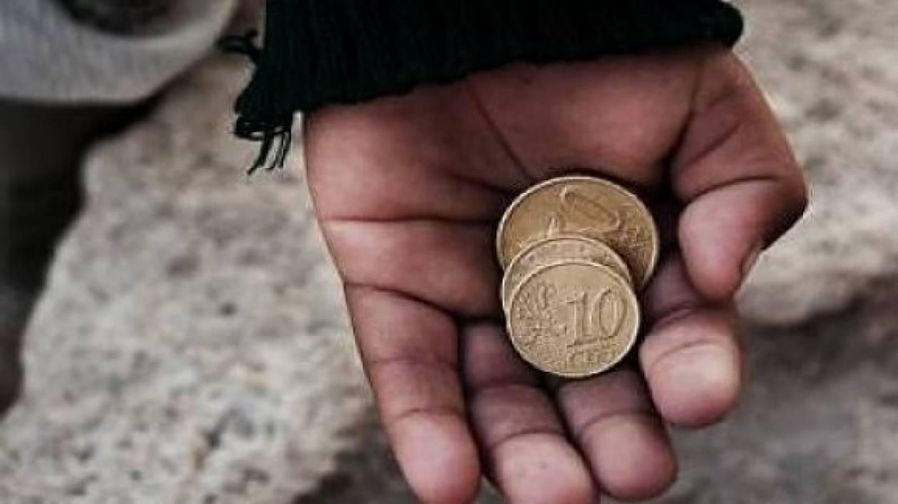 Πάτρα: 23χρονη έβαζε τα παιδιά της να ζητιανεύουν