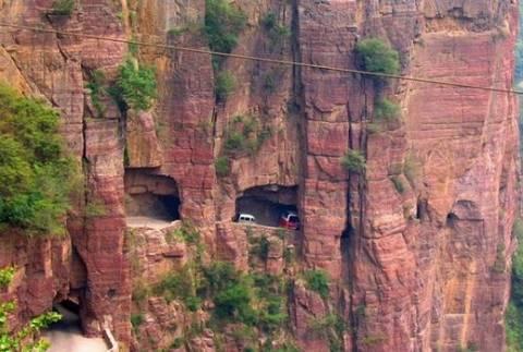 Ο δρόμος που το λάθος του οδηγού είναι και μοιραίο (pics)