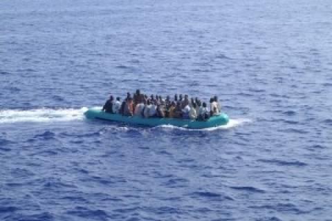 Διασώθηκαν εκατοντάδες μετανάστες νότια της Σικελίας
