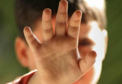 Αν είναι δυνατόν: Μητέρα έσκισε τους όρχεις του 6χρονου γιου της