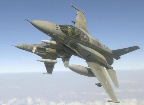 Εντυπωσιακή πρόβα αεροσκαφών F16 στον ουρανό της Θεσσαλονίκης (Βίντεο)