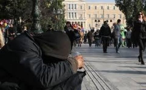 ΓΣΕΕ: Στο 23,1% οι Έλληνες που ζουν κάτω από το όριο της φτώχειας