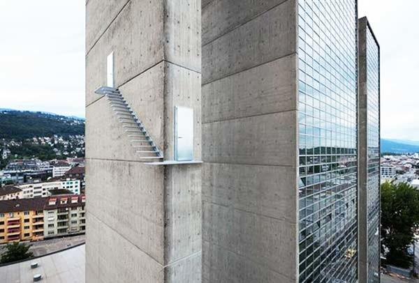 Η πιο τρομακτική εξωτερική σκάλα που υπάρχει