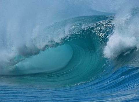 Σεισμός στην Ιαπωνία: Τσουνάμι έπληξε τις ακτές της Φουκουσίμα