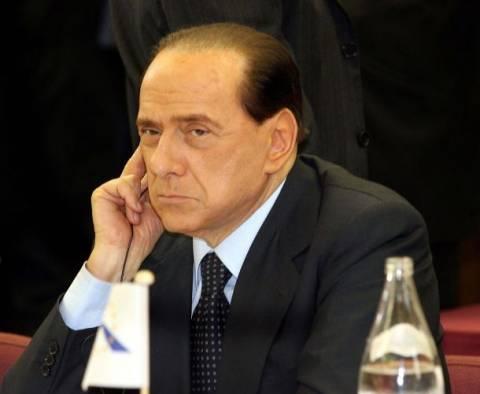 Μπερλουσκόνι: «Μηδενίζει» κάθε αξίωμα στο εσωτερικό του κόμματός του