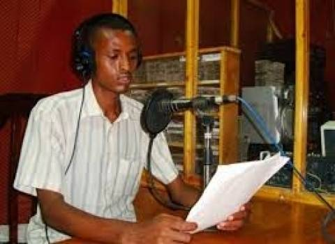 Σομαλία: Έφοδος και κλείσιμο ραδιοφωνικών σταθμών
