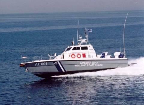 Εντοπίστηκε πλοίο με 120 παράνομους μετανάστες και... έφυγε...