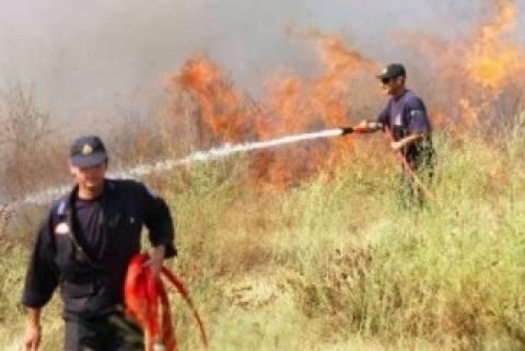 Σε εξέλιξη μεγάλη πυρκαγιά πάνω από τα Καμμένα Βούρλα
