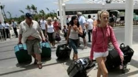 Με διψήφιο ποσοστό «τρέχουν» τα έσοδα από τον τουρισμό