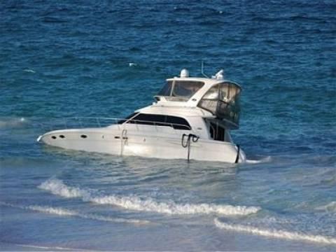 Τουριστικό σκάφος προσάραξε σε ακτή της Ρόδου