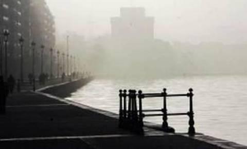 Βίντεο: Πυκνή ομίχλη γύρω από τη Θεσσαλονίκη