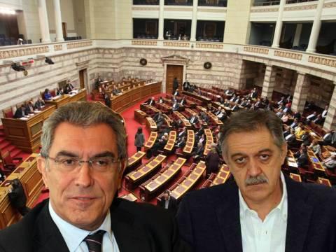 Άγριος καυγάς Κουκουλόπουλου – Καπερνάρου στη Βουλή