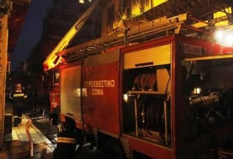 Πάτρα: Πήραν φωτιά τα... στεφάνια στην πλατεία Όλγας