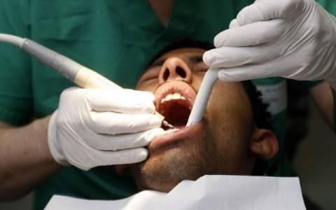 ΣΟΚ: Πήγε να βγάλει το δόντι της και της... έβγαλε το μάτι