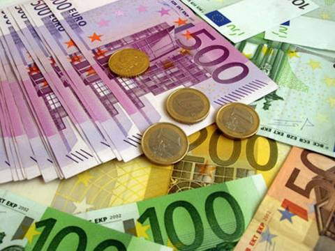 Κρίσιμη η κατάσταση στην οικονομία-Ελλοχεύει η πολιτική αστάθεια