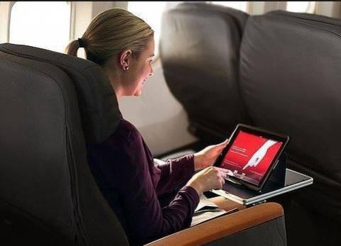 ΗΠΑ: Ανοιχτές οι φορητές ηλεκτρονικές συσκευές εν πτήσει