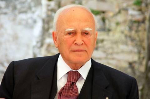 Στην Αλβανία ο Κάρολος Παπούλιας