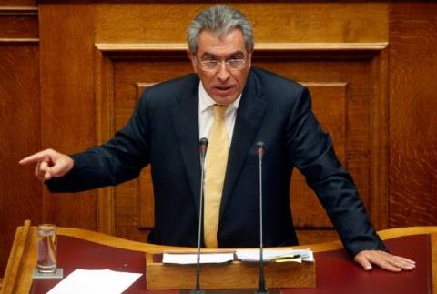 Ερώτηση Καπερνάρου στη Βουλή για τις μίζες της SIEMENS σε κόμματα