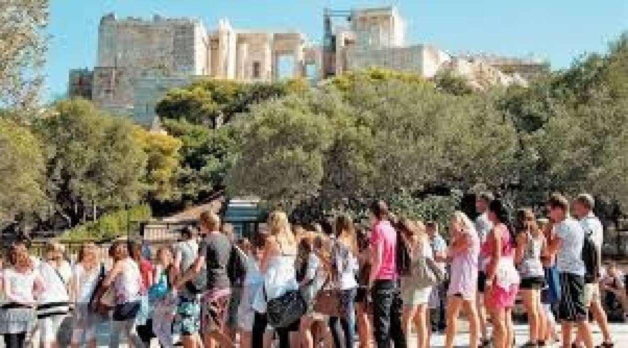 Αισιόδοξες προβλέψεις για αύξηση 10% στην τουριστική κίνηση το 2014