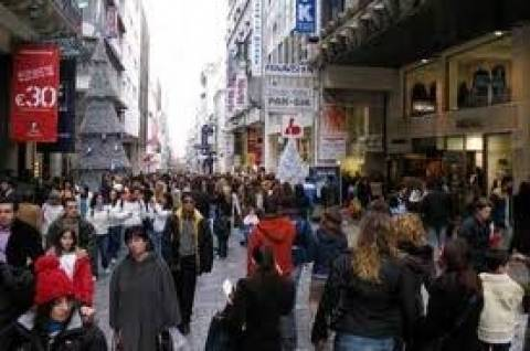 Ξενοδόχοι: Θετικό το άνοιγμα των καταστημάτων τις Κυριακές