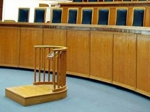Απεργούν αύριο οι δικαστικοί υπάλληλοι