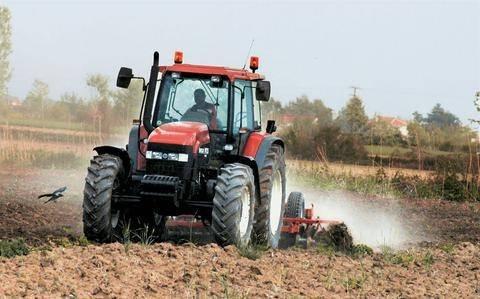 Αντιδρούν στην επιβολή του φόρου αγροτεμαχίων