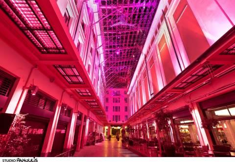 Η Στοά Σπυρομήλιου του CityLink φωταγωγήθηκε ροζ