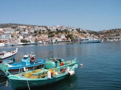 Τσάρκα για καφέ στα νησιά θέλουν οι Τούρκοι