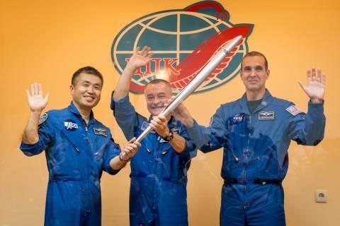 Στο ISS ταξιδεύει η Ολυμπιακή Φλόγα για πρώτη φορά στην ιστορία
