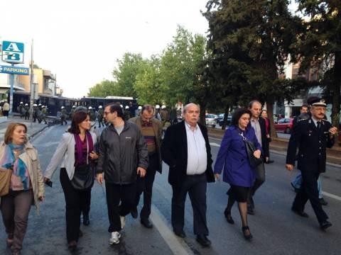 ΕΡΤ: Πέρασαν το μπλόκο οι βουλευτές του ΣΥΡΙΖΑ