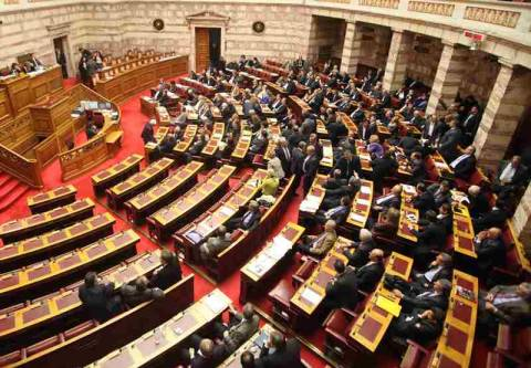 Κόντρα στην Βουλή για την έφοδο των ΜΑΤ στην ΕΡΤ
