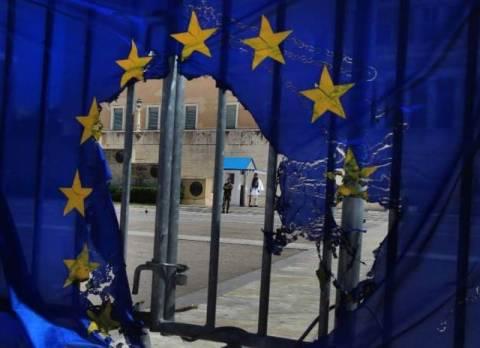 FT: Η Ελλάδα μπορεί να είναι η επόμενη Δημοκρατία της Βαϊμάρης