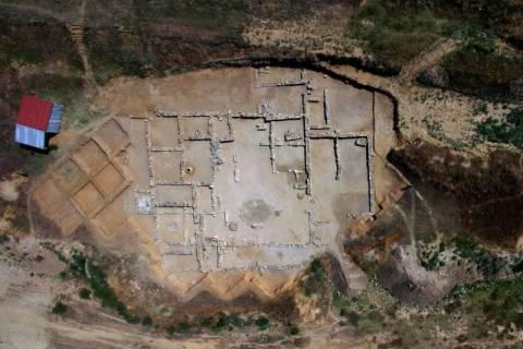 Τα αρχαιολογικά μυστικά της λίμνης Κάρλας