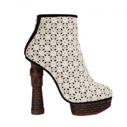 Το πιο περίεργο παπούτσι από τη Charlotte Olympia