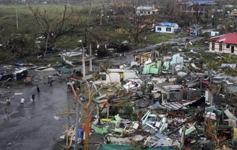 Φιλιππίνες: Oι νεκροί από τον τυφώνα έχουν ξεπεράσει τους 1.000