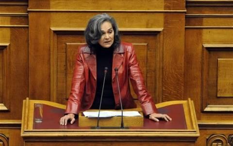 Σακοράφα: «Μαρία Αντουανέτα» που μοιράζει παντεσπάνια ο Σαμαράς