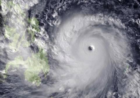 Μετά τις Φιλιππίνες, ο τυφώνας Χαϊγιάν σαρώνει και το Βιετνάμ