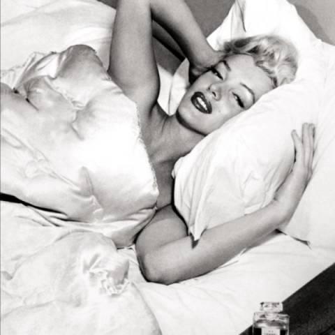 Δείτε φωτογραφίες της Marilyn Monroe με το αγαπημένο της Chanel No5!