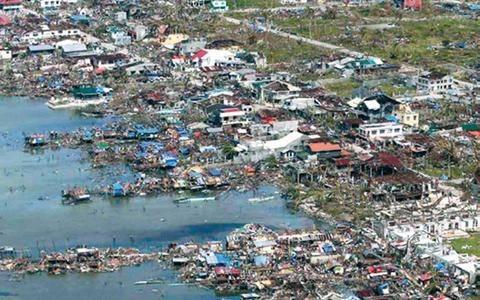 Σεισμός 4,8 Ρίχτερ στις Φιλιππίνες μετά τον φονικό τυφώνα