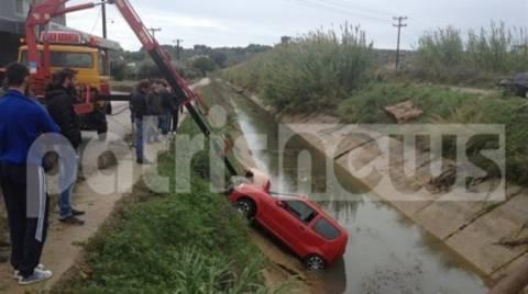 Πύργος: Αυτοκίνητο «βούτηξε» σε αρδευτικό κανάλι!