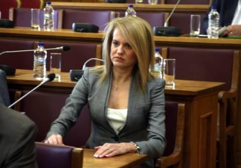 Θεοδώρα Λουμπουντέν-Τζάκρη: Το χρονικό της πανάκριβης διαγραφής