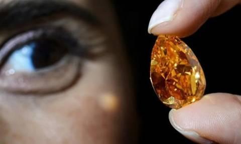 Πουλήθηκε έναντι 35,5 εκατ. δολαρίων το μεγαλύτερο πορτοκαλί διαμάντι!