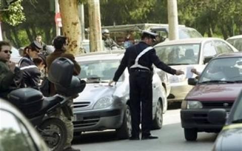 Η τροχαία «μοίρασε» 195 κλήσεις για παράνομη στάθμευση